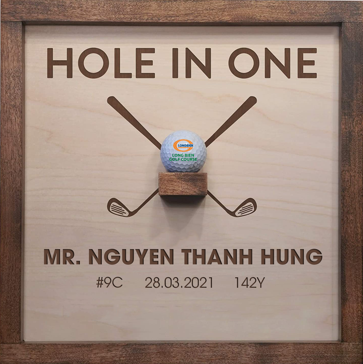 HOLE IN ONE trong night-game